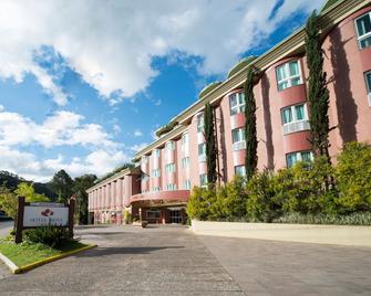Hotel Laghetto Siena - Грамадо - Building