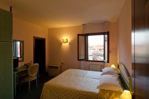 Hotel Eden - Venice - Bedroom