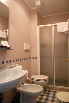 Hotel Eden - Venice - Bathroom