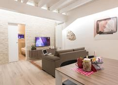 Filippini Apartments - Verona - Living room