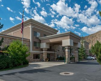 Wood River Inn & Suites - Hailey - Edificio