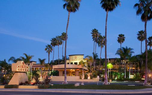 Atrium Hotel at Orange County Airport - Irvine - Toà nhà