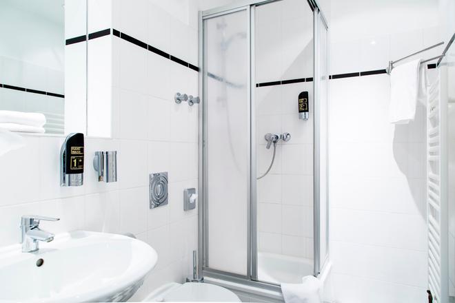 Hotel Residenz Begaswinkel - Berlin - Bathroom