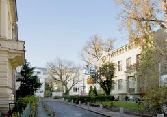 Hotel Residenz Begaswinkel - Berlin - Outdoor view