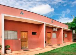 Bonito Hi Hostel Suites - Bonito - Building
