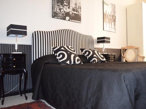 Sweetdreams Inn - Rom - Schlafzimmer