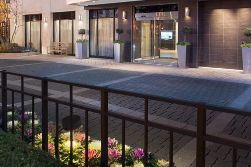 Hotel 1600 - Washington - Building
