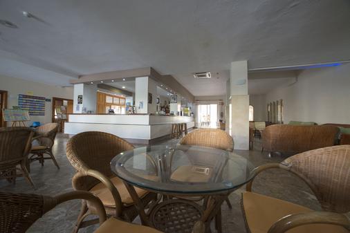 三錨酒店 - 干迪亞 - 甘迪亞 - 酒吧