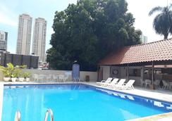 Hotel Tower House Suites - Panama Stadt - Pool