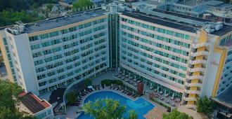 Grand Hotel Oasis - Sonnenstrand - Gebäude
