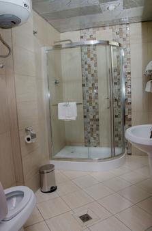 Zola International Hotel - Addis Ababa - Bathroom