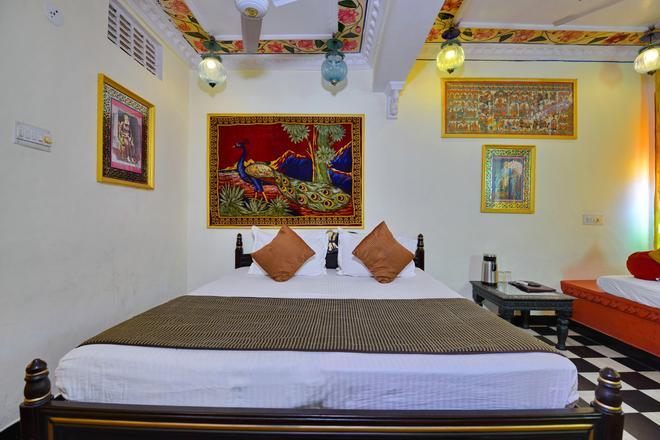 Anjani Hotel - Udaipur - Bedroom