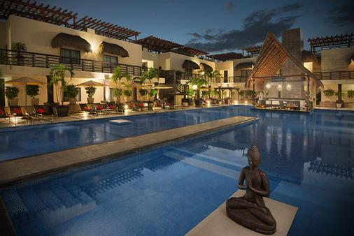 Aldea Thai Luxury by Mistik - Playa del Carmen - Edificio