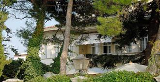 Hotel Villa Mabapa - Venecia - Edificio