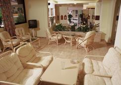 Hotel Marko - Loutraki - Lobby