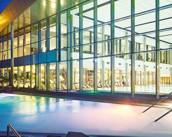 Resort Mark Brandenburg & Fontane Therme - Нойруппін - Басейн