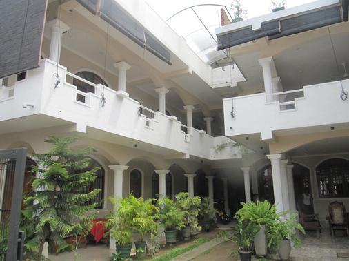 Angel Inn Guest House - Negombo - Rakennus