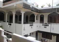 Angel Inn Guest House - Negombo - Parveke