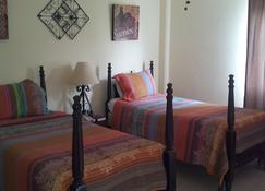 The Pasanggrahan Royal Boutique Hotel - Philipsburg - Bedroom