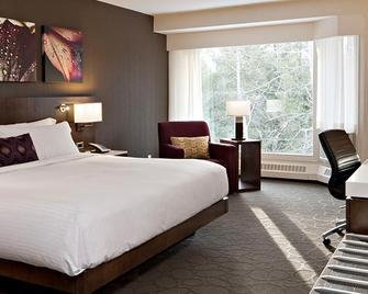 Crosswaters Resort At Kananaskis - Kananaskis - Bedroom