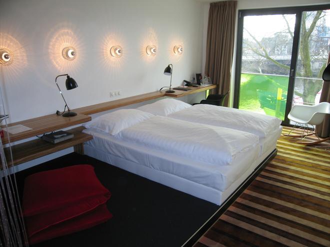 ÜberFluss 設計酒店 - 布萊梅 - 不來梅 - 臥室