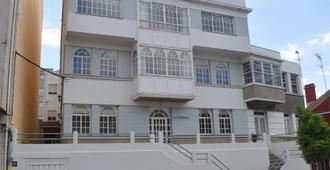 Hostal La Terraza - Miño - Building