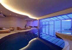 Hotel Bellevue Dubrovnik - Dubrovnik - Uima-allas