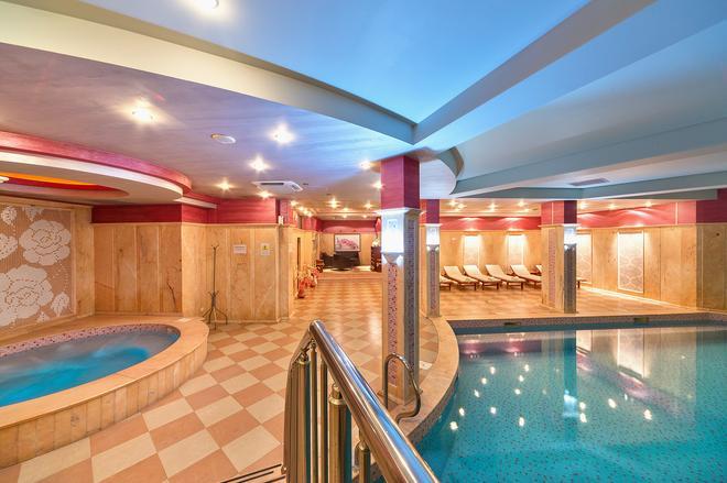 Club Central Hotel - Hissarya - Piscina