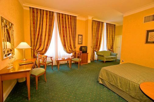 阿特內奧花園皇宮酒店 - 羅馬 - 羅馬 - 臥室