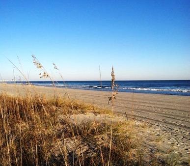 The Oceanfront Viking Motel - Myrtle Beach - Beach