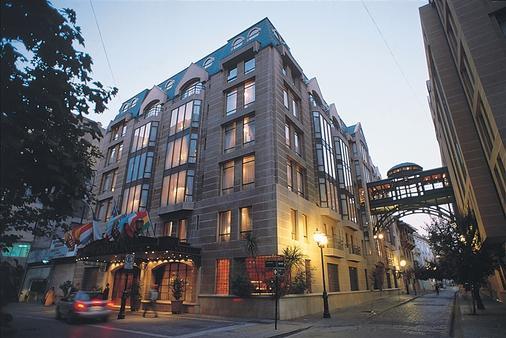 Hotel Fundador - Santiago - Building