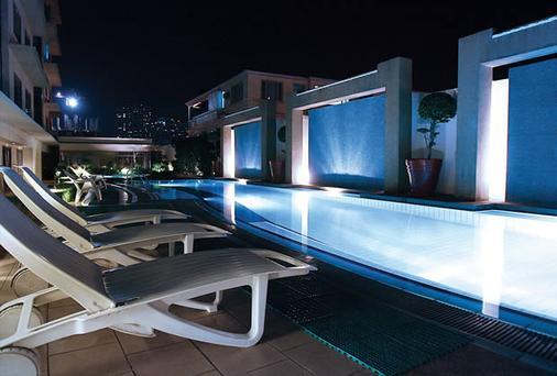 Astoria Plaza - Pasig - Pool