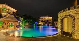 Lingganay Boracay Hotel Resort - Boracay - Piscina
