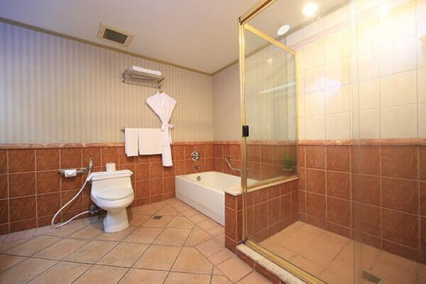 無限塔樓套房酒店 - 馬卡蒂 - 浴室
