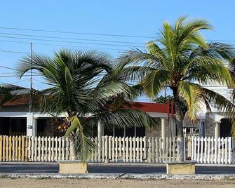 San Felipe Inn Yucatan - Río Lagartos - Building
