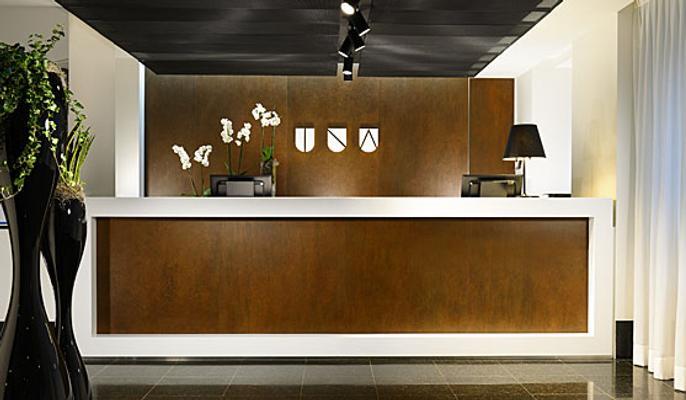 Unahotels Century Milano - Milan - Front desk