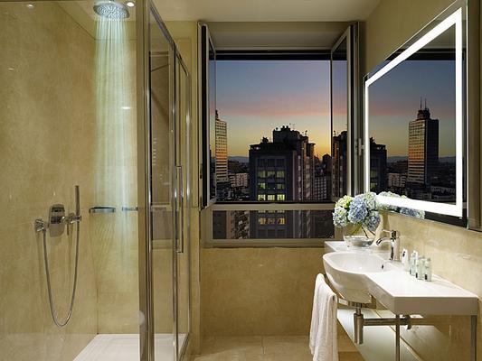 Unahotels Century Milano - Milan - Bathroom