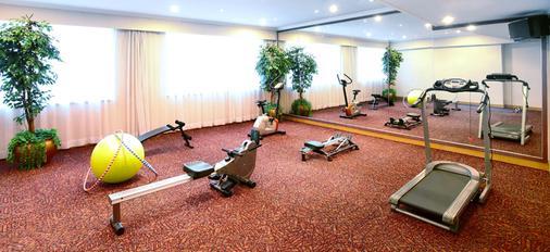 Golden Crown China Hotel - Μακάου - Γυμναστήριο