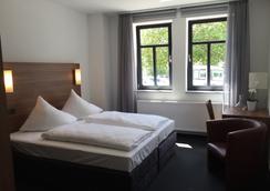 Hotel Garni Anger 5 - Bad Frankenhausen - Bedroom