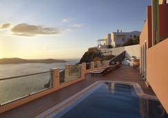 艾拉水療酒店 - 聖托里尼 - 菲羅斯特法尼 - 游泳池