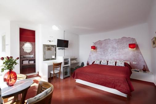 艾拉水療酒店 - 聖托里尼 - 菲羅斯特法尼 - 臥室