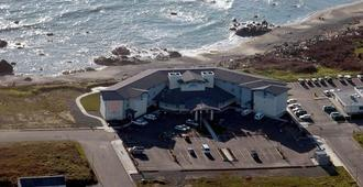 Oceanfront Lodge - Crescent City