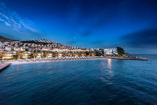 Swissôtel Resort Bodrum Beach - Bodrum - Bãi biển