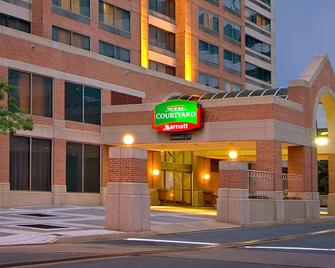 Courtyard by Marriott Arlington Crystal City/Reagan National Airport - Arlington - Building
