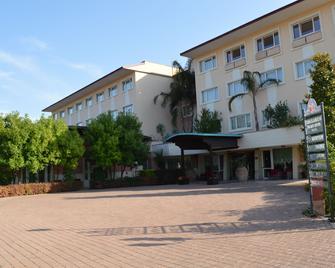 Semiramide Palace Hotel - Castellana Grotte - Gebäude
