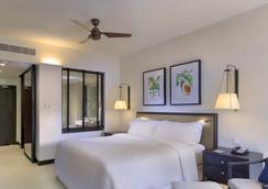 Hilton Mauritius Resort & Spa - Flic en Flac - Bedroom