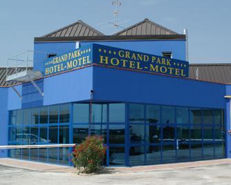 Grand Park Hotel Motel - Piacenza - Building