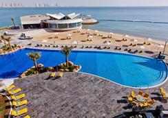 Hilton Doha - Doha - Pool