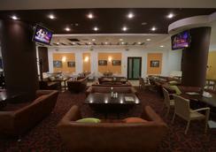 Hotel Riviera - Καζάν - Σαλόνι ξενοδοχείου