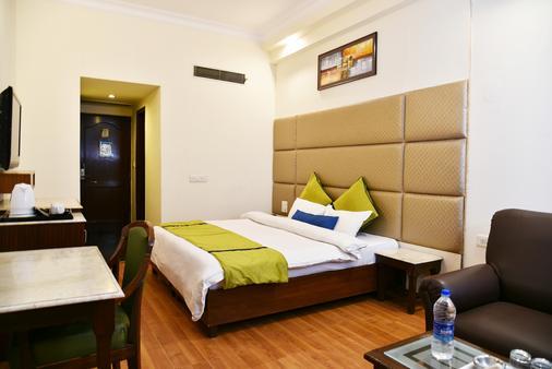 Hotel Shiraz Castle - Amritsar - Phòng ngủ